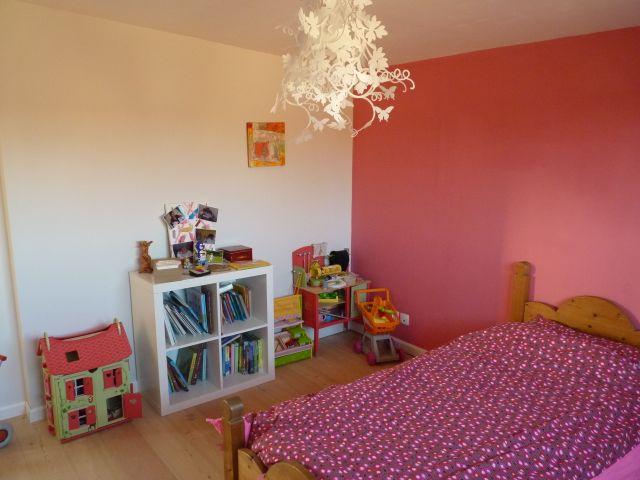 Vie en rose maison cubes for Deco chambre bois de rose